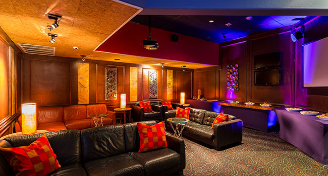 Backstage Lounge of Clubhouse Bistro, California